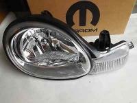 Фара правая Chrysler Neon 1999-2003